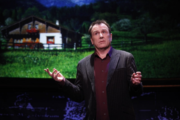 Colin Quinn in LONG STORY SHORT